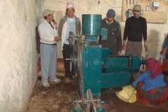 Oil-expeller-available-in-the-local-Mill-that-is-normally-used-for-expelling-edible-oil-seeds